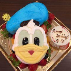 キャラクターケーキ(ドナルド)5号 3900円(税別)
